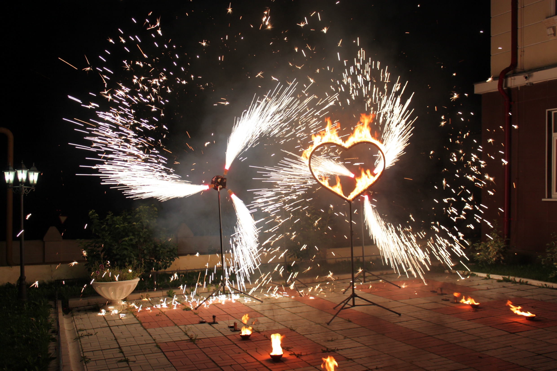 Салют на свадьбе - фото фаер-шоу, красивый фейерверк 64
